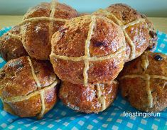 Who doesn't enjoy a toasted, buttery, cinnamon scented Wholemeal Hot Cross bun. These are light and delicious and 100% Wholemeal www.feastingisfun.com/Wholemeal-hot-cross-buns/