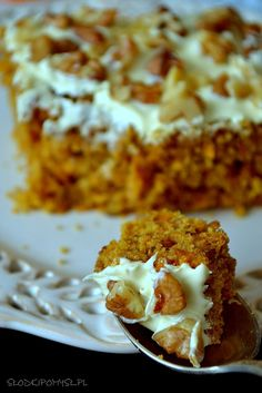 Ciasto z dynią i orzechami Pumpkin Recipes, Cookie Recipes, Dessert Recipes, Healthy Cake, Healthy Desserts, Food Cakes, Yummy Cakes, Food Inspiration, Sweet Recipes