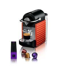 Nespresso Krups Pixie Electric Red Nespresso Krups Pixie Electric Red De Nespresso Krups Pixie Electric Red is snel gebruiksvriendelijk en energiebesparend dankzij de automatische uitschakeling na 9 minuten. In een handomdraai maaktdeze Pixie XN3006 de heerlijkste koffie. Smaken genoeg dankzij de Nespresso variëteiten. Deze espressomachine is voorzien van een pompdruksysteem van 19 bar door middel vaneen thermoblock. Het rooster is opklapbaar en hij is voorzien van een opvangbak voor de…