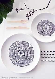 Upcycle your plates with a porcelain pen| Grandma Glamour