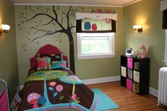 Owl Themed Bedroom Teens | ... teen. This made decorating her room even more fun, and brought back