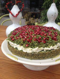 Leśny mech - ciasto szpinakowe z kremem i granatem