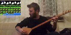 Atari müziklerini bağlama ile çalan Türk!