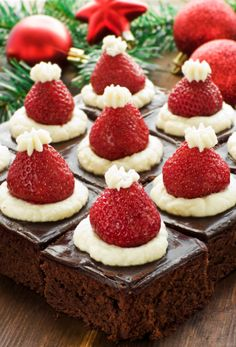 Christmas Tea More More from my site Strawberry Santas – How to Make a Santa Strawberry with Video Tutorial Christmas Tree Brownies With Candy Cane Trunks Mickey Mouse Santa Hat Cupcakes Santa Hat Cookie Cups Santa Hat Cupcakes Santa Hat Jell-O Shots Christmas Tea Party, Christmas Deserts, Holiday Desserts, Holiday Baking, Holiday Treats, Holiday Recipes, Christmas Chocolate, Santa Christmas, Lactose Free Christmas Recipes
