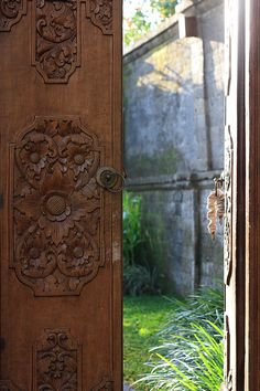 The doors into your own private hideaway at the Kamandalu #ubud #bali #holiday