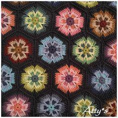 Mesmerize Hexagon Motif Crochet pattern by Atty*s – Granny Square Manta Crochet, Crochet Granny, Crochet Motif, Crochet Hooks, Hexagon Crochet Pattern, Crochet Hexagon Blanket, Crochet Afgans, Crochet Cushions, Crochet Pillow