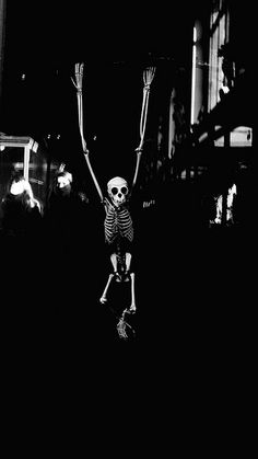 jumping jack skeleton