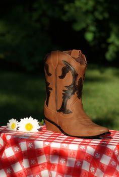 Life-Size Cowboy Boot Cake Kit