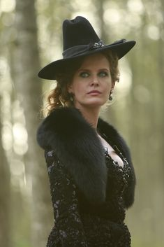 Rebecca Mader | Zelena #OUAT  I LOVE watching her.  Love all the villains on Once!