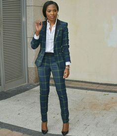 Girl boss career fashion style in 2019 мода. Office Outfits Women, Casual Work Outfits, Business Casual Outfits, Professional Outfits, Business Fashion, Suit Fashion, Work Fashion, Fashion Outfits, Corporate Attire
