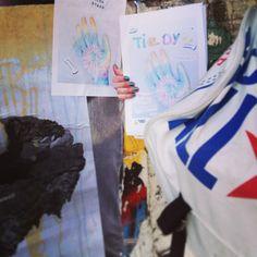 'Secret street stickering for #tiedyehighfive eyes peeled around Brick Lane' #mycanvasjourney @neontash