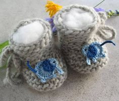 Hand knitted baby shoes Eco-virgin wool knitted baby shoes