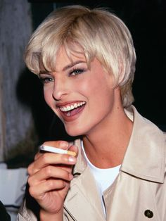 Linda Evangelista with platinum blonde hair. One of her many shades of hair.