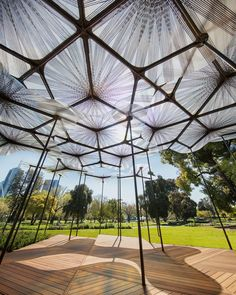 MPavilion translucide des levete d'Amanda s'ouvre à Melbourne - Melbourne VIC, Australia