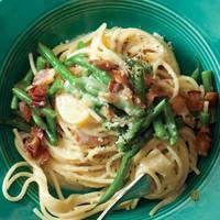Green Bean Spaghetti Carbonara | rachaelraymag.com