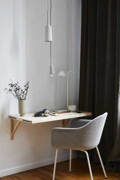 ideas for bedroom desk design office organization Small Room Desk, Small Rooms, Small Spaces, Small Desks, Bedroom Small, Home Office Design, Home Office Decor, Home Decor, Office Ideas