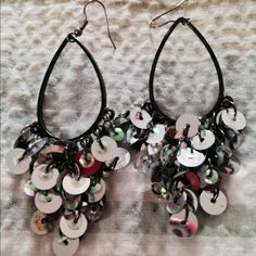 Cute Vera Wang Earrings Dangly and Sparkly earrings by Vera Wang  Bundle with the other dangle earrings for a great price!!! Vera Wang Jewelry Earrings