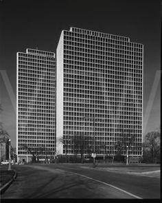 Mies Van Der Rohe - Commonwealth Promenade Apartments