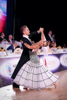 I love this geometric dress. So unique. #ballroomdance #iloveballroomdresses