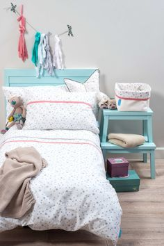 Gorgeous colour scheme. Bright and airy. ~ Hollie @ Little Goldfish