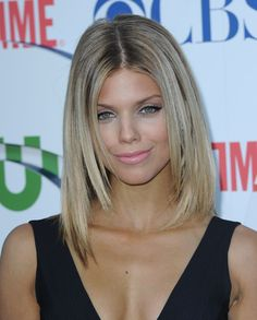 Spring Hairstyles, Pretty Hairstyles, Haircuts For Long Hair, Straight Hairstyles, Annalynne Mccord Hair, Jennifer Aniston Hair Color, Medium Hair Styles, Long Hair Styles, Corte Y Color