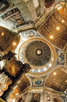 The great historic country Rome is a city and special commune in Italy. Rome is the capital of Italy and al. Beautiful Architecture, Beautiful Buildings, Art And Architecture, Beautiful Places, Basilica Architecture, Renaissance Architecture, Kirchen Design, Basilica San Pedro, Saint Peter Basilica