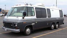 For Sale - 1976 Cinnabar Reconditioned GMC Motorhome Mini Motorhome, Vintage Motorhome, Motorhome Interior, Vintage Rv, Motorhome Travels, Camper Caravan, Airstream Trailers, Rv Campers, Camper Van