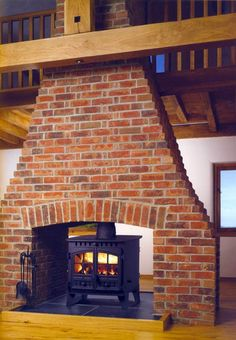 Flat Top Wood Burning Stove from Woodburnerworld. Big collection of Wood Stove from usa. Also deals in Trader and Service Provider of Flat Top Wood Burning Stove Wood Stove Chimney, Fireplace Design, Wood, Stove, Wood Burner Fireplace, Double Sided Fireplace, Living Room With Fireplace, Brick Fireplace