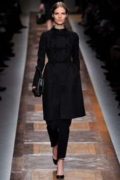 Valentino Fall 2012 Ready-to-Wear Fashion Show - Suvi Koponen (Next)