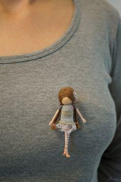 Vintage style OOAK fairy brooch por DORIMU en Etsy, $109.00