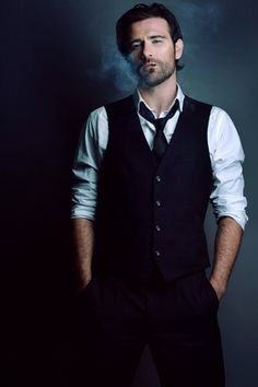 Photo of Matt Ryan for fans of Constantine (NBC) 37772979 Constantine Nbc, Matt Ryan Constantine, Constantine Hellblazer, Sebastian Castellanos, The Evil Within, Dc Legends Of Tomorrow, The St, Best Cosplay, Looks Cool