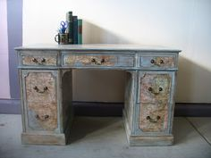 Shabby Redo For You !: DESK WITH MAP DECOUPAGE