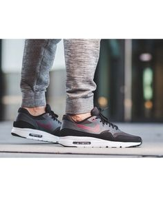 View the full range of Nike Air Max 1 Ultra Essential Night Maroon Mens Trainers & Shoes on the Air Shoe online store. Cheap Nike Trainers, Mens Trainers, Air Max 1, Nike Air Max, Air Max Sneakers, Nike Sneakers, Men's Shoes, Nike Shoes, Running Shoes For Men