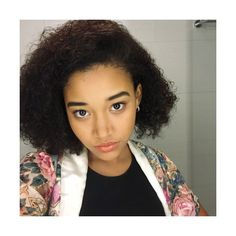 amandla ✄ stenberg, WHATUP NYC ❤ liked on Polyvore featuring people and amandla stenberg Curly Hair Tips, Curly Hair Styles, Natural Hair Styles, Pretty People, Beautiful People, Amandla Stenberg, Twa Hairstyles, Edgy Outfits, Braid Styles