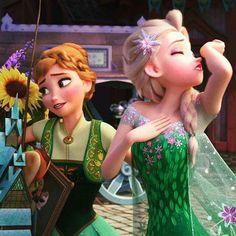 Anna and Elsa - look at Elsa's nose! XD