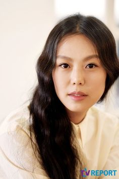 """[Interview] """"The Handmaiden"""" Kim Min-hee, """"How can I explain love in just a single moment?"""""""