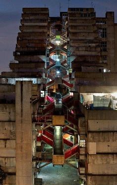 Brutalist architecture from Europe to Le Vele in Naples Brutalist Buildings, Modern Buildings, Sci Fi City, Social Housing, Urban Landscape, Art And Architecture, Architecture Student, Scampi, Exterior