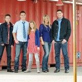 The Jarvis Family / Trevors Senior Photos Family Picture Poses, Family Photo Outfits, Family Posing, Family Portraits, Family Photos, Picture Ideas, Photo Ideas, Sibling Photography, Children Photography