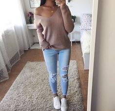 Off shoulder white knit + destroyed skinny jeans source roupa outono, roupas femininas, casaco Trendy Fall Outfits, Fall Winter Outfits, Spring Outfits, Winter Fashion, Casual Outfits, Fashion Outfits, Womens Fashion, Winter Boots, Fashion Pants