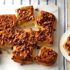 Sticky Buns Recipe -It's impossible to eat just one of these soft, yummy sticky buns—they have wonderful old fashioned goodness. Use the conventional method or your bread machine to make the dough. Gooey Cinnamon Rolls Recipe, Pecan Cinnamon Rolls, Cinnamon Desserts, Cinnamon Coffee, Cinnamon Recipes, Easy Desserts, Sticky Buns, Sticky Rolls, Bread Machine Recipes