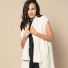HP Sherpa Like Open Front Cardigan NWOT 50% Acrylic 25% polymide 25% Mohair supper soft and stylish. This is not light weight and flimsy thick and well made. Longer in the front, open long collar. Great for layering. Thanks @kimsthings for the HP! Sweaters Cardigans