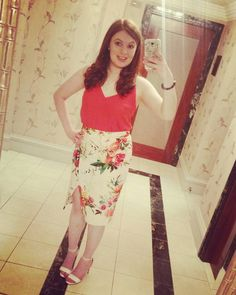 Oh how I love you @oasisfashion this skirt and top are just amazing!!  Shoes by @newlookfashion :) Also is this the best selfie mirror ever?! :D thanks @langham_london had such a wonderful evening with you last night!! #thelangham #palmcourt #oasisfashion #oasis #london #love by leannehenry92