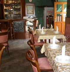 Restauracja Portofino niedawno została przeniesiona z ulicy wąskiej 2 do innego lokalu i obecnie znajduje się przy ul. Szerokiej 9-10 w żydowskiej dzielnicy Krakow