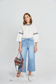 Wide-Leg Cropped Jeans, $59.90; at Few Moda