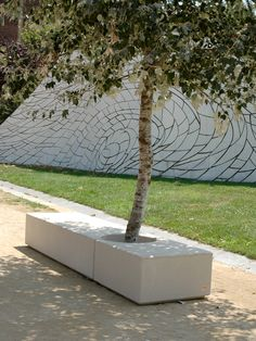 GODOT - Public bench / contemporary / concrete / with integrated planter by Escofet Landscape Art, Landscape Architecture, Landscape Design, Architecture Design, Urban Furniture, Street Furniture, Residential Building Design, Garden Swimming Pool, Planter Bench