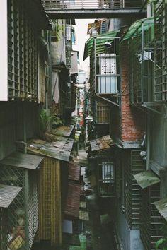 requested by anon: Virgo Sun, Gemini Moon, Pisces. - the world is quiet here Environment Concept, Environment Design, Urban Landscape, City Landscape, Urban Photography, Street Photography, Arte Sci Fi, City Aesthetic, Art Japonais