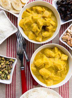 Ricardo& recipe : Janette Bertrand's Party Chicken Curry Curry Recipes, Soup Recipes, Dinner Recipes, Dinner Ideas, Fall Recipes, Indian Food Recipes, Ethnic Recipes, Party Chicken, Ricardo Recipe