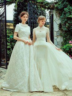 おしゃれブライズのお望みを叶える最新ドレスをたっぷりご紹介♡ 女性らしいボディラインで洗練されたマチュアなドレスをお探しの花嫁はマーメイドドレスを、ロイヤルウエディングのような正統派がお好みの花嫁はクラシカルドレスをチェックして。
