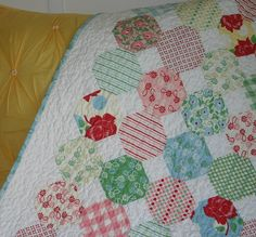 Snowball Quilt by twinfibers, via Flickr