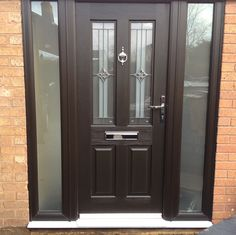 The Rockdoor Jacobean is the most popular composite door for your home. Similar to the Illinois with just as many glass designs, its a very popular door. Glass Design, Door Design, Composite Door, Jacobean, Door Ideas, Front Doors, Apollo, Porch, Windows